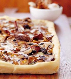 Easy Mushroom-Lovers Pizza Recipe