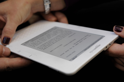 Amazon Kindle 2 Price Drops Down to $300