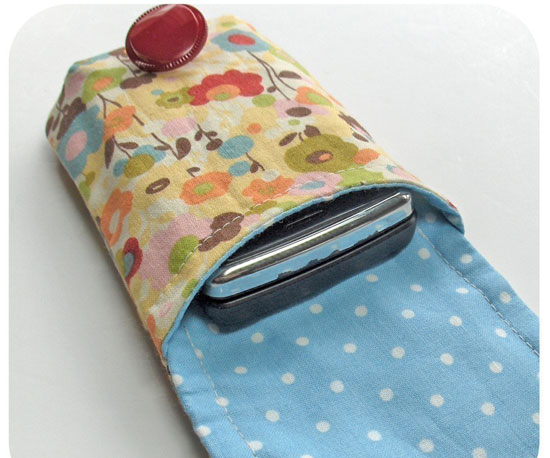 Case Design customize cell phone cases : Totally DIY : 5 Awesome Handmade Cell Cases : POPSUGAR Tech