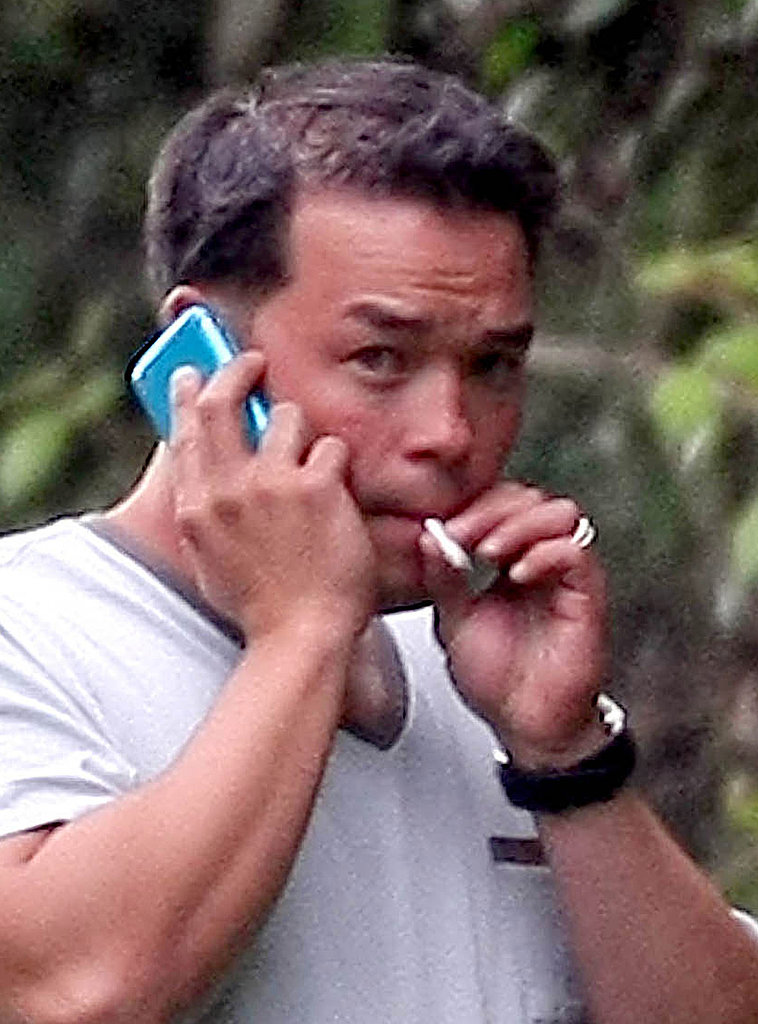 Jon Gosselin Smokes While He Chats