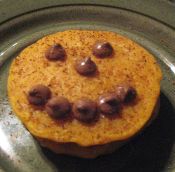 Delilicious: Jack-O'-Lantern Pumpkin Pancakes