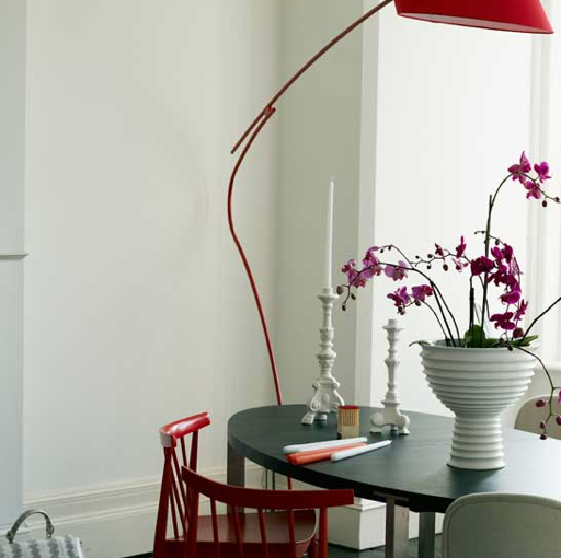 10 Fabulous Mismatched Tables and Chairs