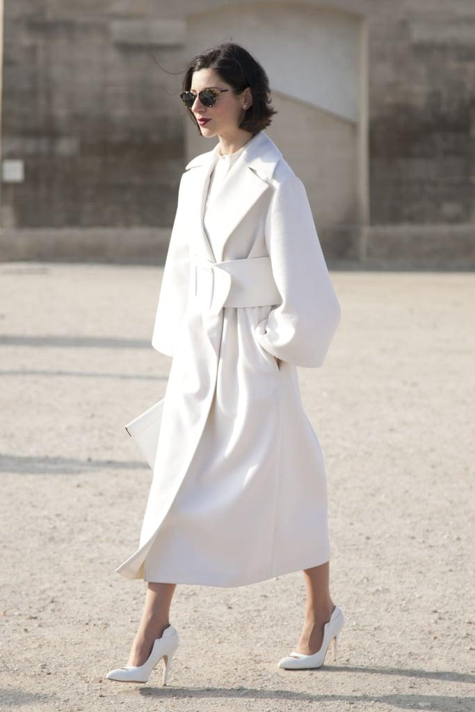 A drama-inducing all-white ensemble.