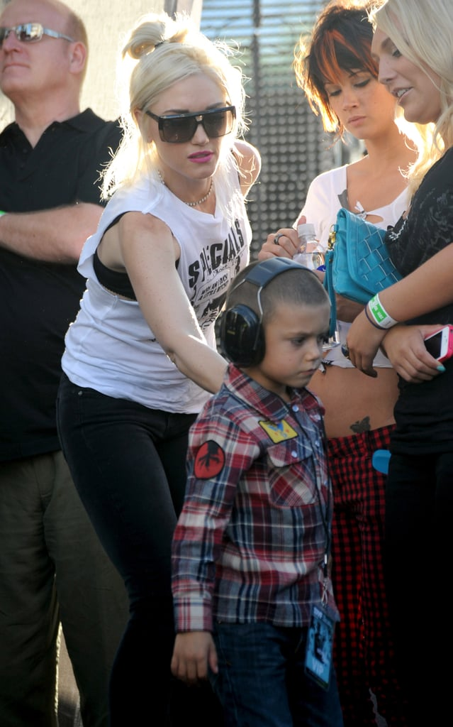 Kingston Rossdale wore protective headphones during Gavin's show.