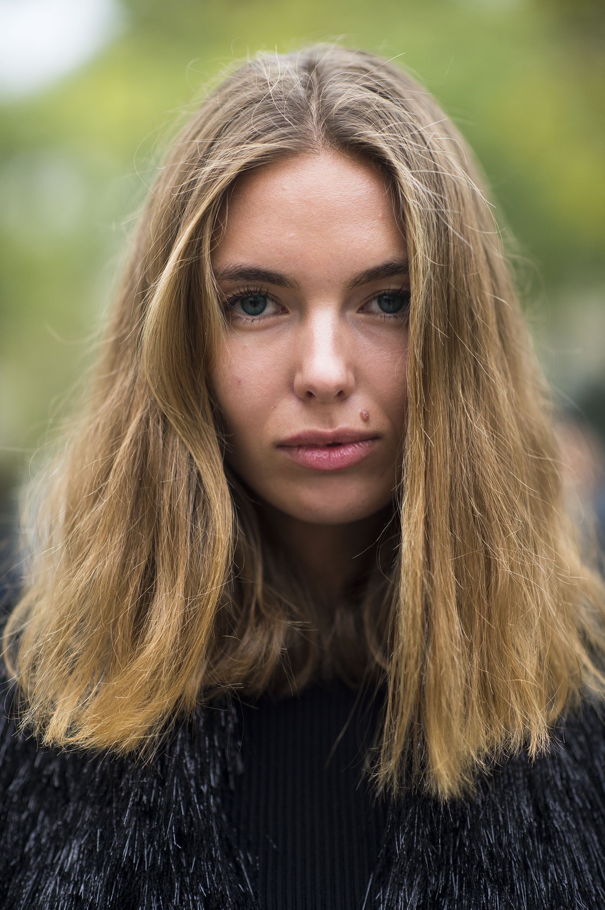We love the grunge-inspired texture of this showgoer's hair. Source: Le 21ème | Adam Katz Sinding