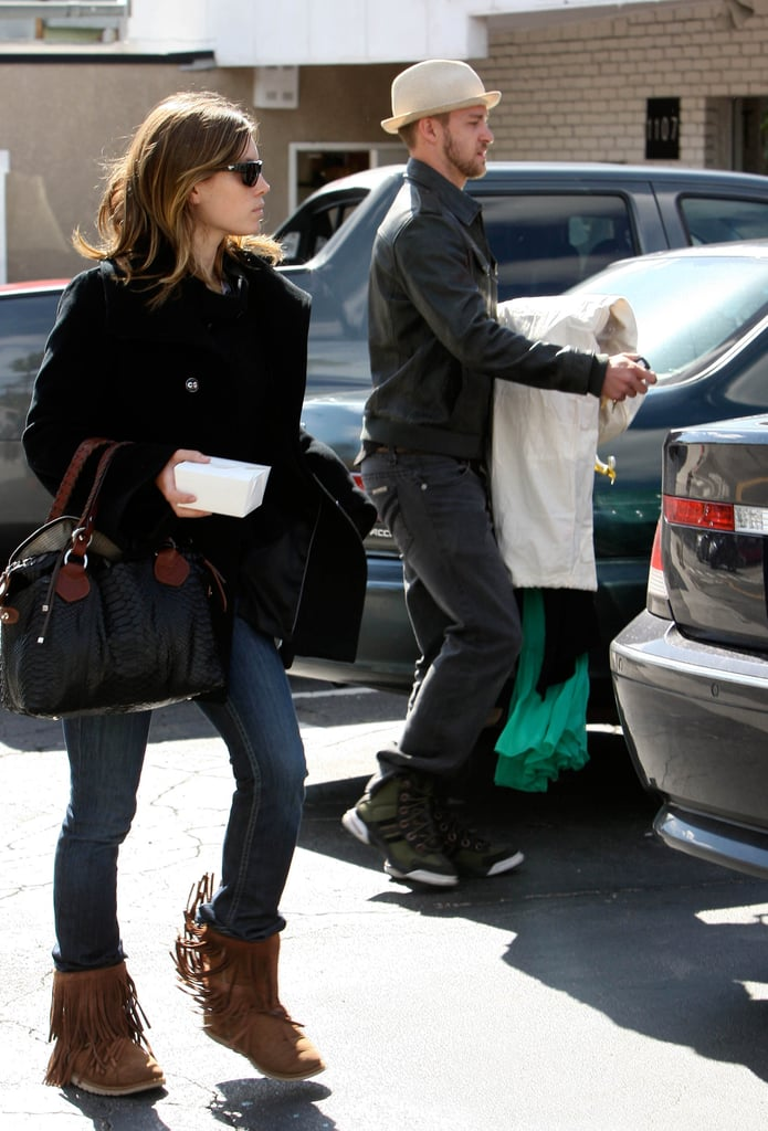 Jessica and Justin Pick Up The Drycleaning