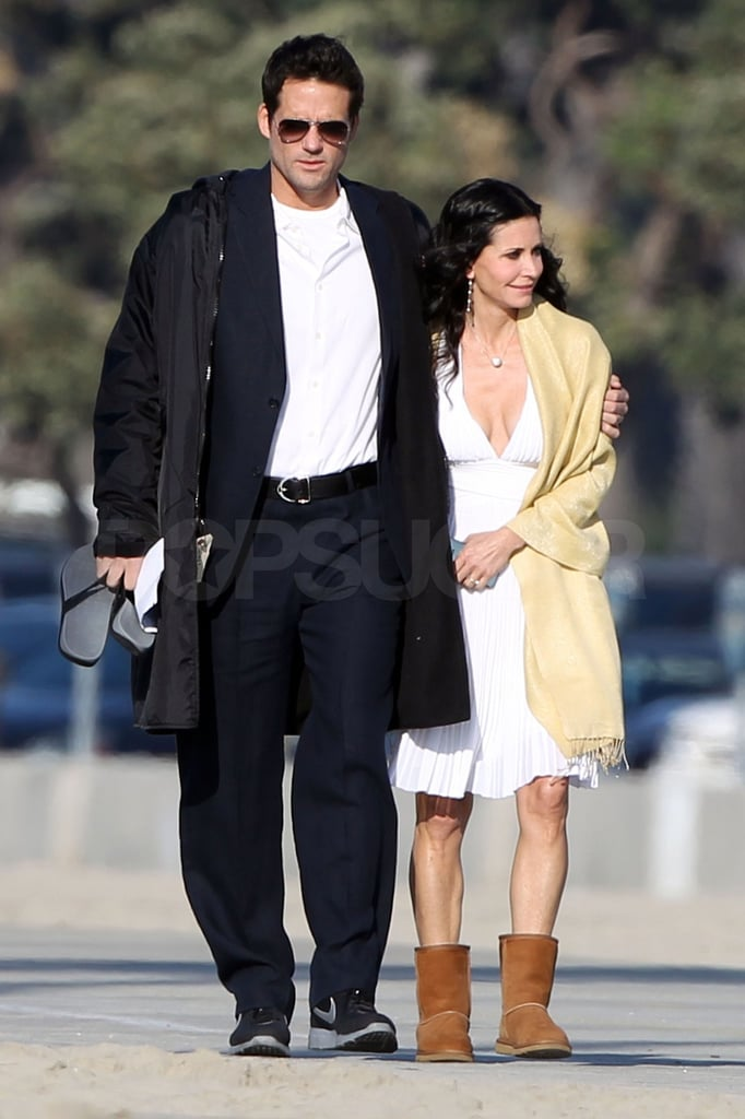 Courteney Cox kept her feet warm with the help of her cozy Uggs.