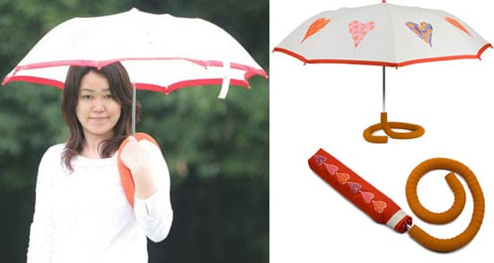 Hands-Free Umbrella Makes Rainy Dog Walks Easy