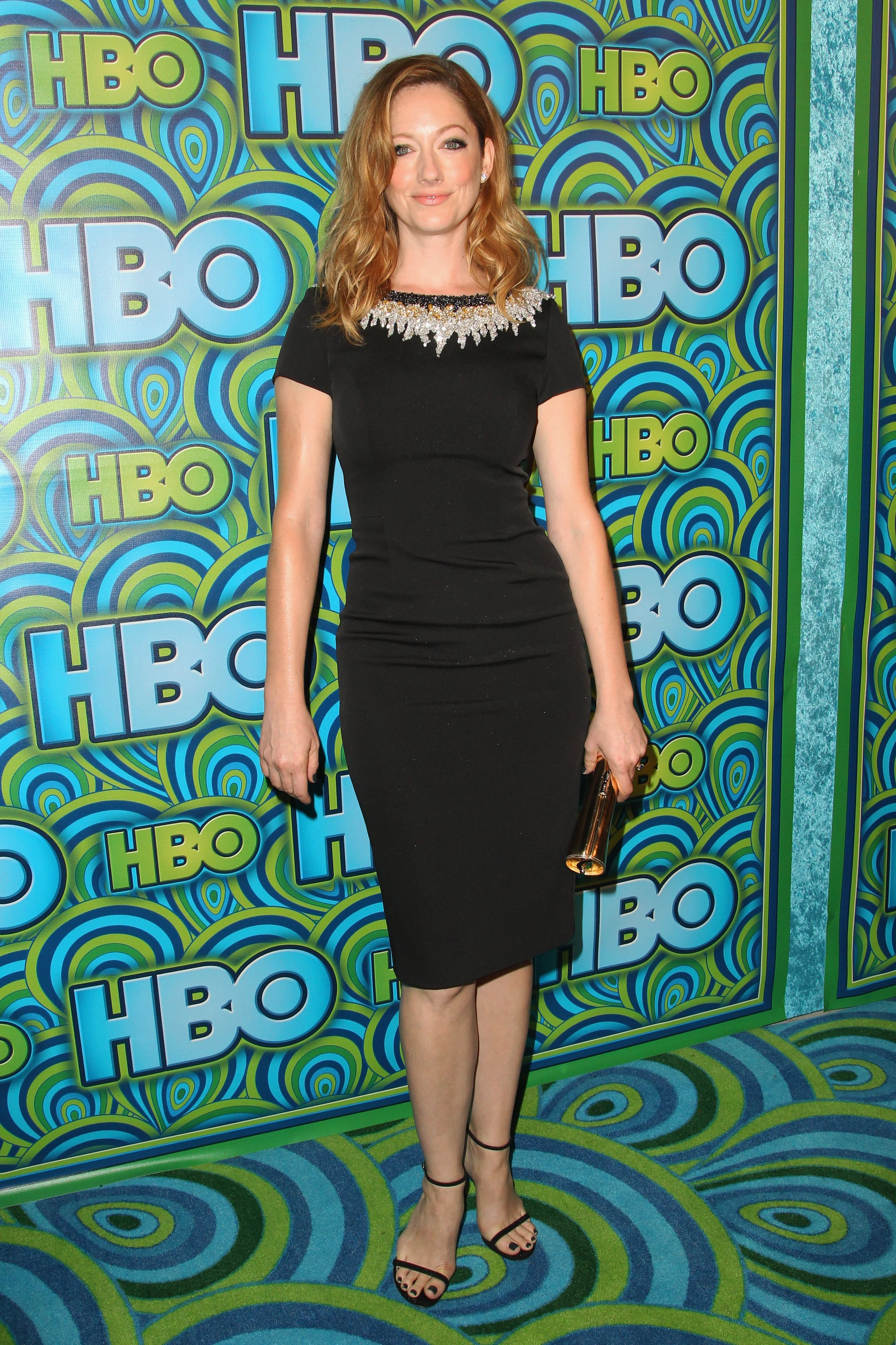Judy Greer arrived at HBO's afterparty in an understated Pamella Roland sheath and not-so-understated jewels at the collar.