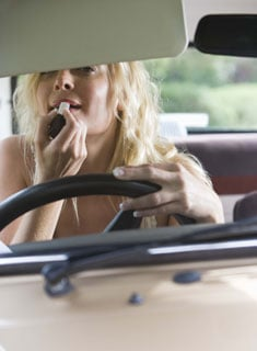 Troy, MI, Bans Makeup Applications While Driving