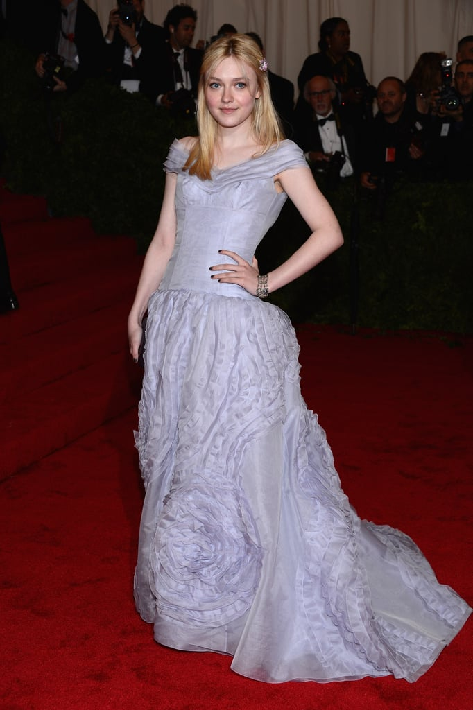 Dakota Fanning looked beautiful and sophisticated in Louis Vuitton.