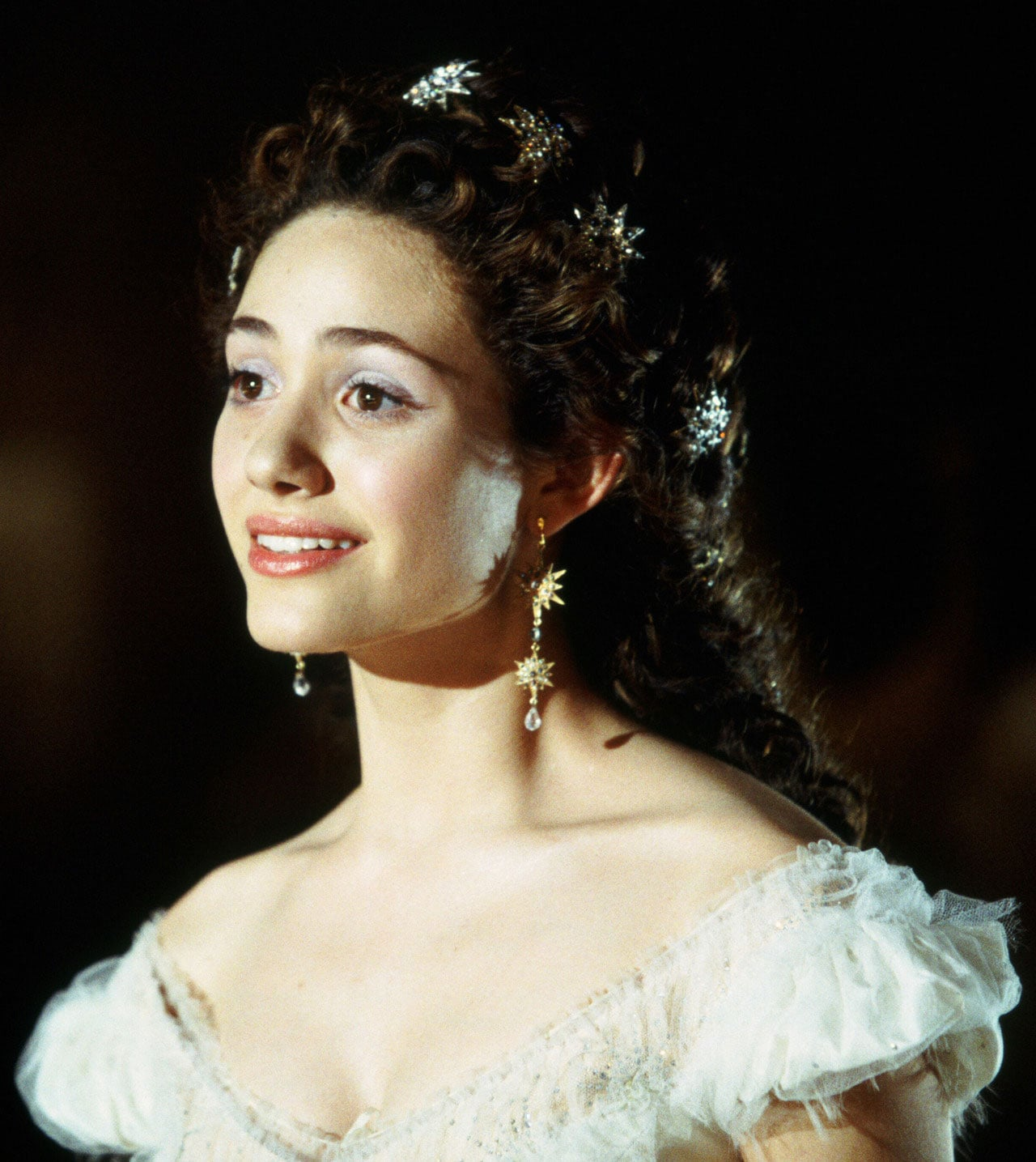 Emmy Rossum in The Phantom of the Opera | 25 Gorgeous ... Emmy Rossum Wallpaper Christine