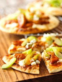 Fast & Easy Dinner: Buffalo Chicken Pizzas
