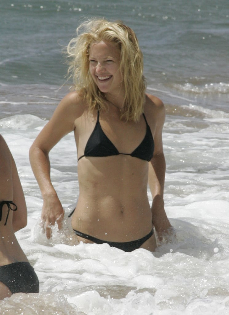 In September 2006, she splashed around the waves in Hawaii.