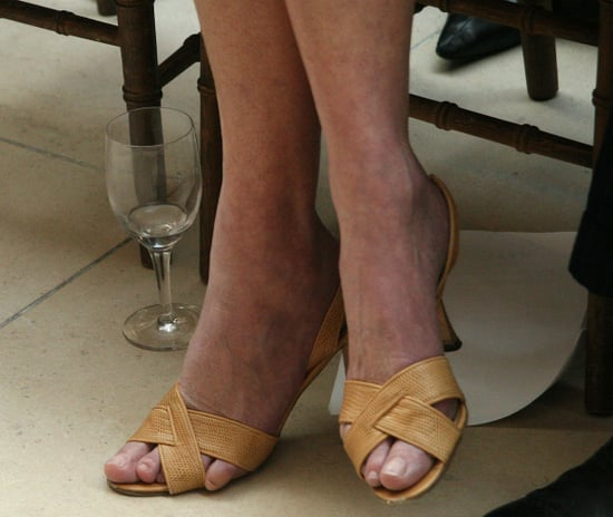 Guess Which American Editor's Toe Is Falling Out of Her Shoe?
