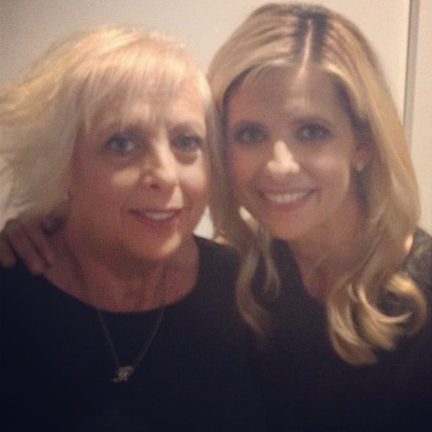 Sarah Michelle Gellar and her mom stopped by the People magazine offices. Source: Instagram user peoplemag