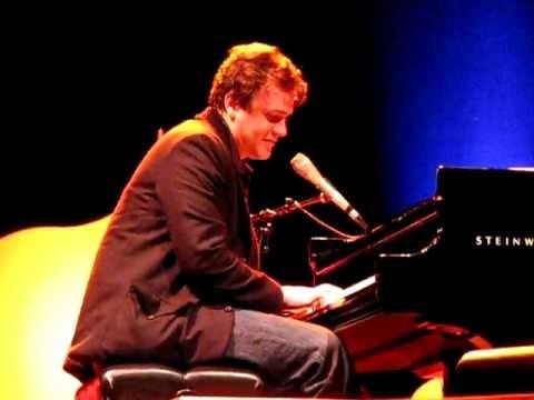 Jason Segel Asks Swell Season Concertgoers to Call Him For Sex