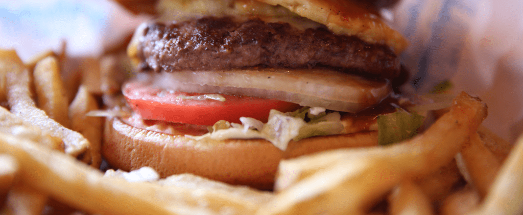 Nutritionists Agree: You Should NEVER Eat This Type of Food