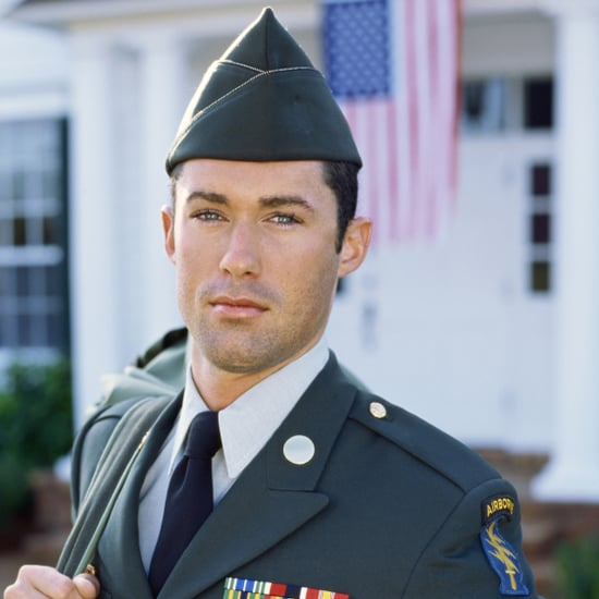 US Soldiers in Afghanistan Enjoy Eyebrow Shaping