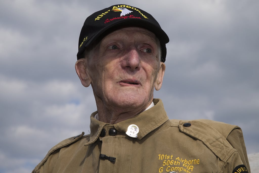 Incredible! A 93-Year-Old Veteran Re-Created His D-Day Parachute Jump