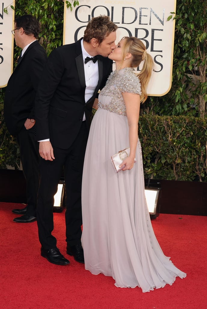 Dax Shepard and Kristen Bell shared a romantic kiss at the 2013 show.