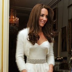 Kate Middleton Pictures in Second Sarah Burton McQueen Gown For Royal Wedding 2011-04-29 14:44:31