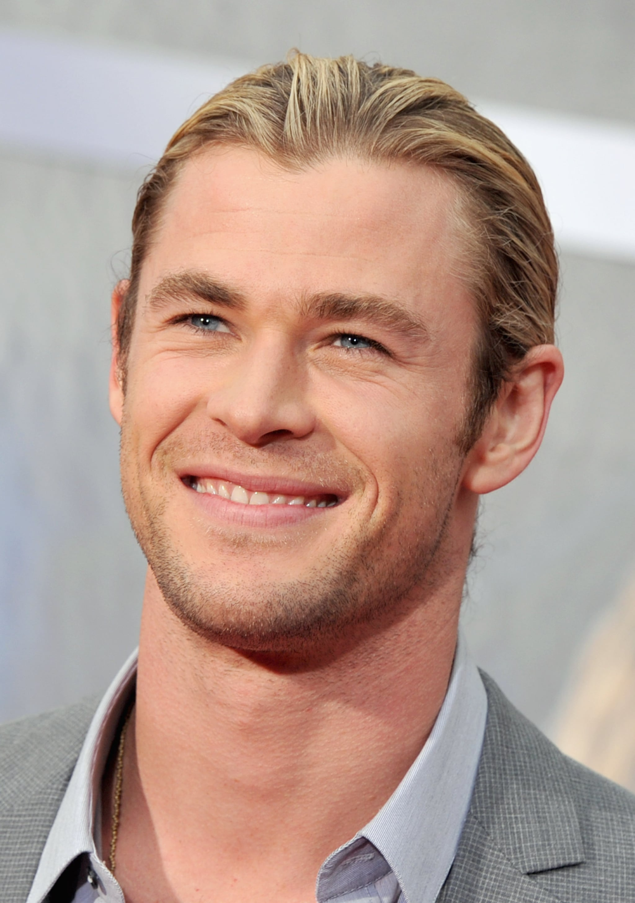 Chris Hemsworth Gushes About Liam, but Stays on Team Avengers at the World Premiere