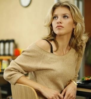 90210 Style: Naomi Clark