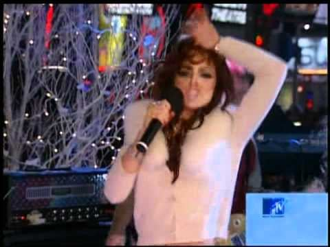 And finally, Lindsay Lohan ended the year singing live.