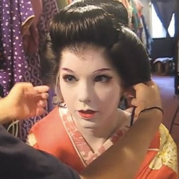 Taylor Swift Gets a Geisha Makeover