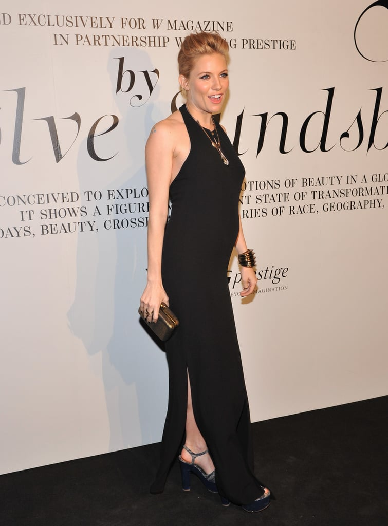 A Sleek Look to Debut the Bump