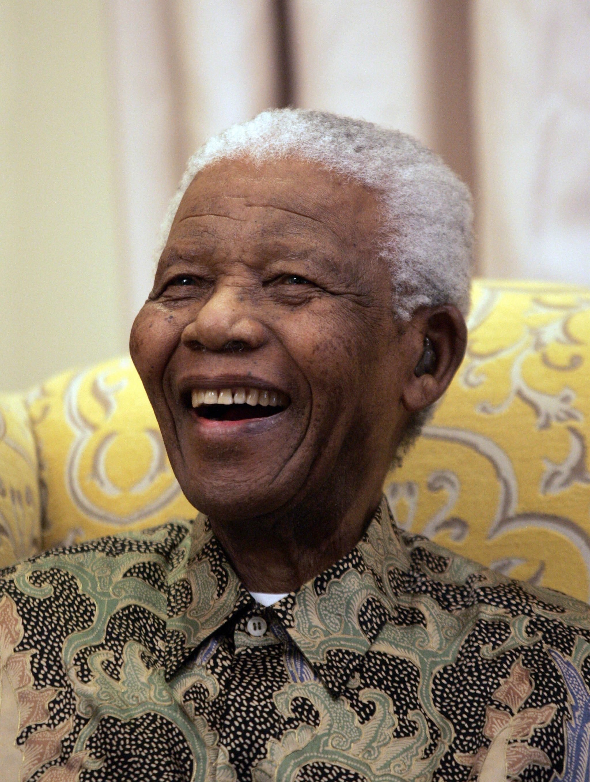 """Nelson Mandela told Larry King in 2000 what he wants the world to think of him: """"That must be left to future generations, because what happens today may not be shared by future generations. So, it's better for us to leave it to others to charge the role which one has played."""""""