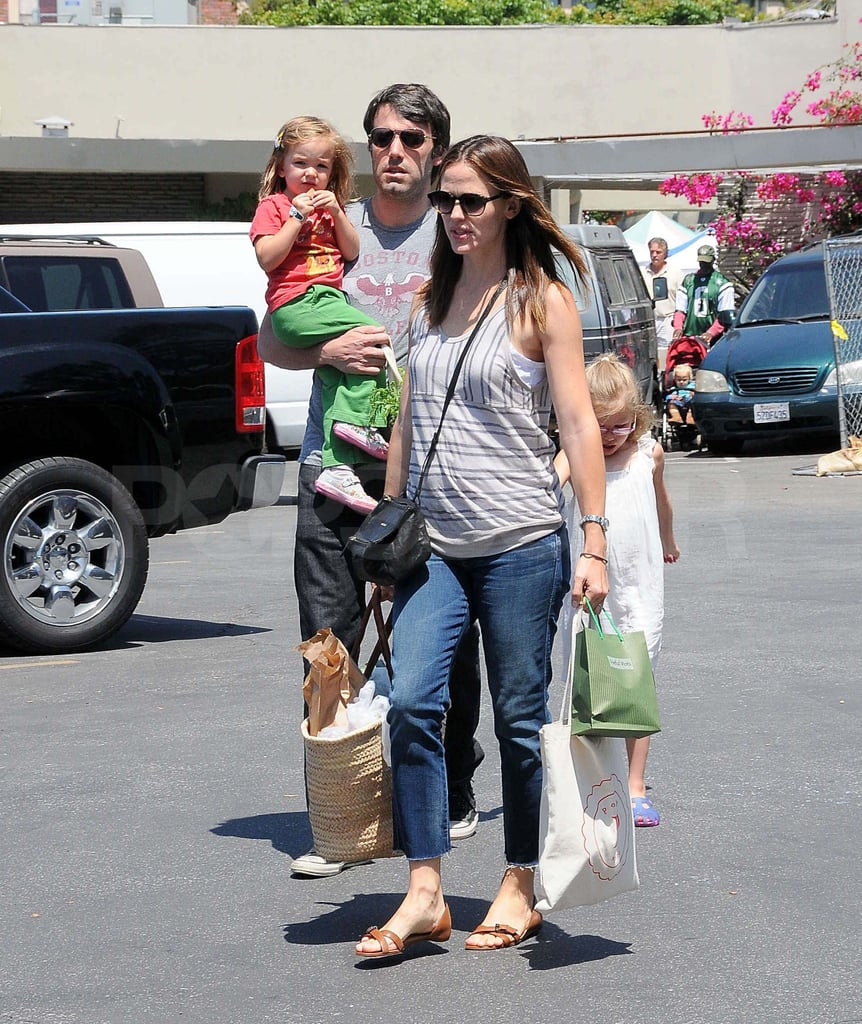 Ben Affleck and Jennifer Garner with Violet and Seraphina at the farmers market.