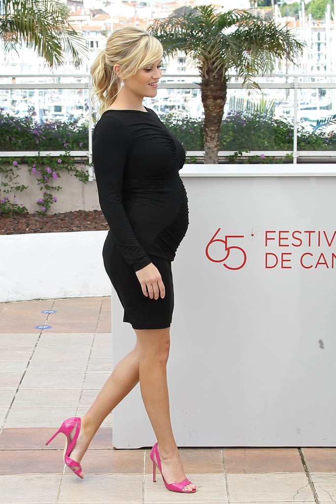 Reese Witherspoon's Bump in Black