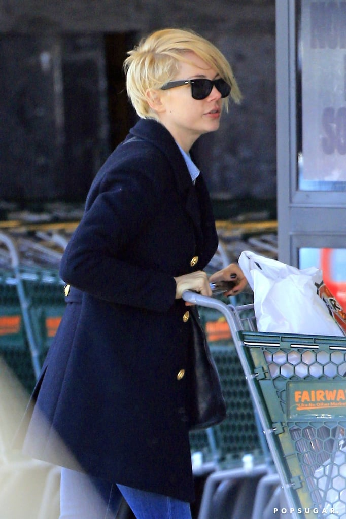 Michelle Williams went grocery shopping in Brooklyn.