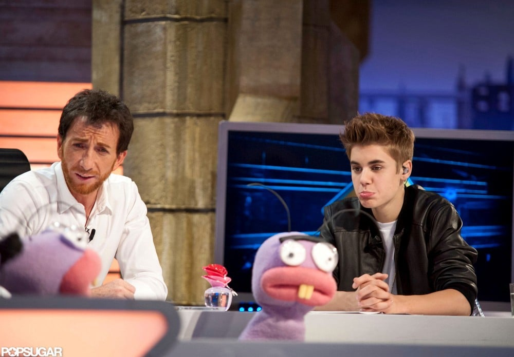 Justin Bieber joked around with the puppets on El Hormiguero.