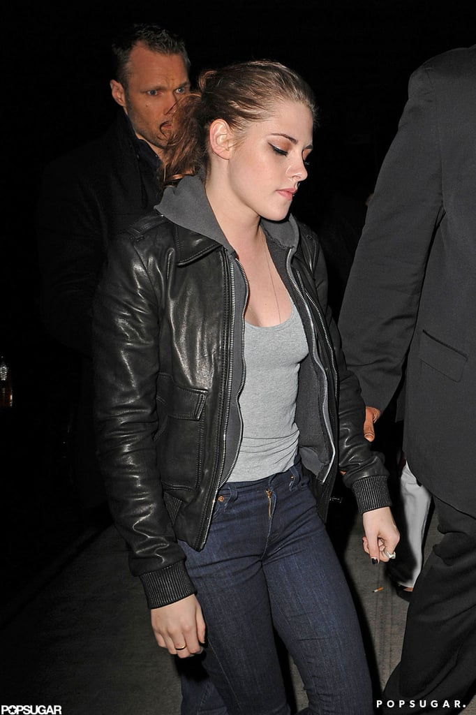 Kristen Stewart had her bodyguards with her when she went to dinner.