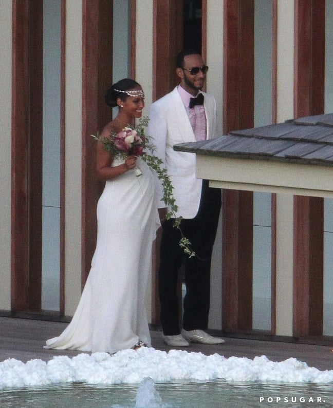 A pregnant Alicia Keys and Swizz Beatz tied the knot in July 2010 on the island of Corsica. The beautiful bride matched her strapless  Vera Wang gown with an exquisite headpiece.