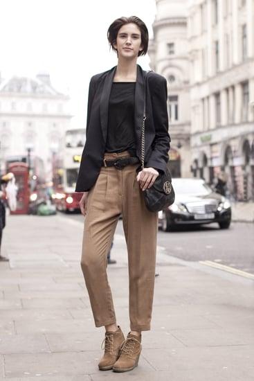 Fall 2011 London Fashion Week Street Style 2011-02-21 12:59:42