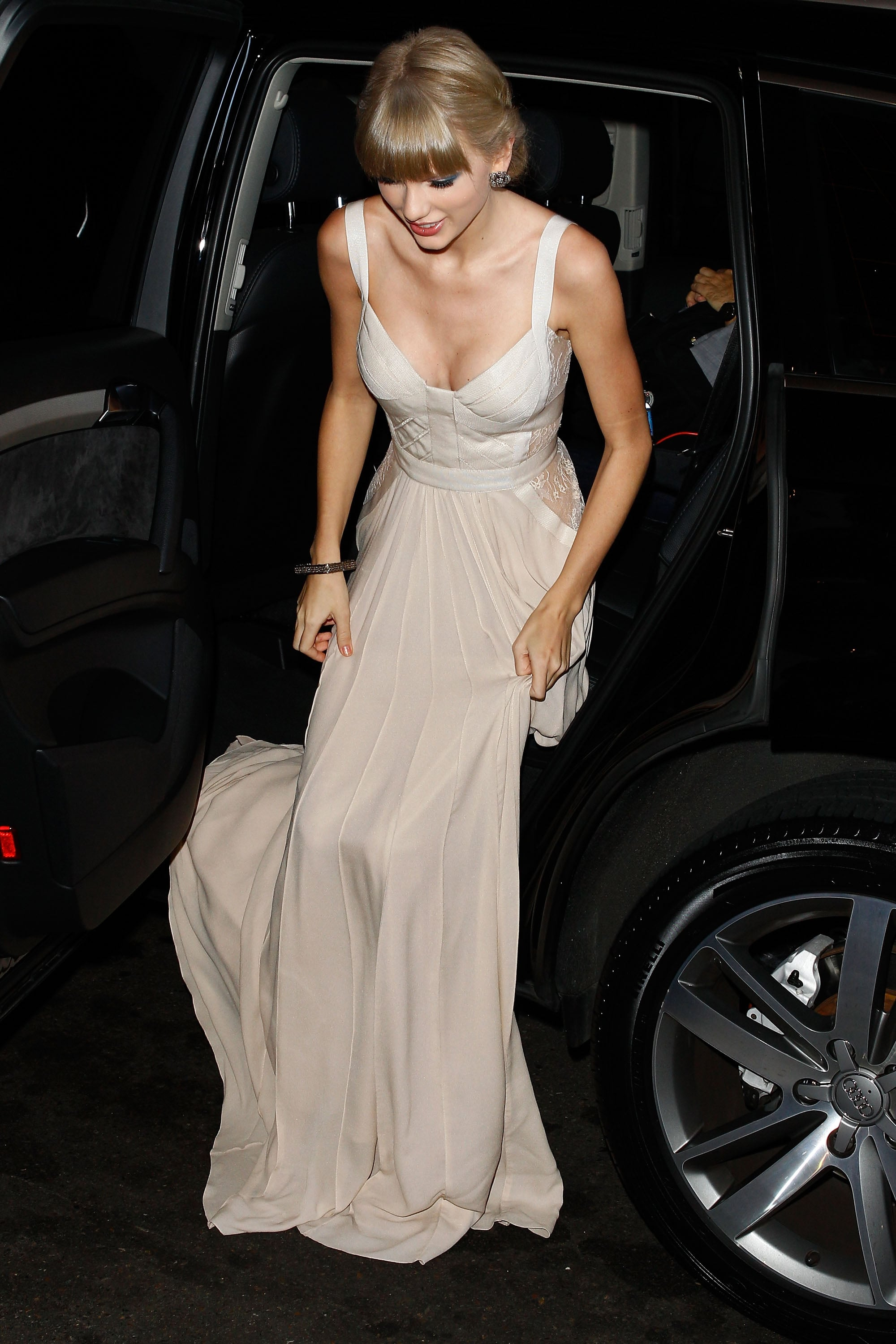 Taylor Swift arrived at the Aria Awards in Sydney.