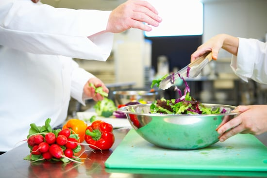 Cooking With Tongs: A Contentious Subject Among Chefs