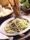 Fast & Easy Dinner: Broccoli Pesto Spaghetti