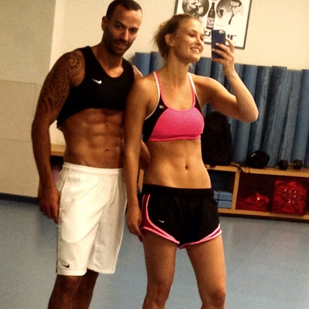 Bar Refaeli and her trainer had an ab-off in the gym. Source: Instagram user barrefaeli