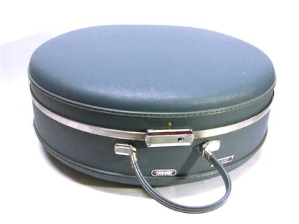 Vintage American Tourister Round Train Case ($48)