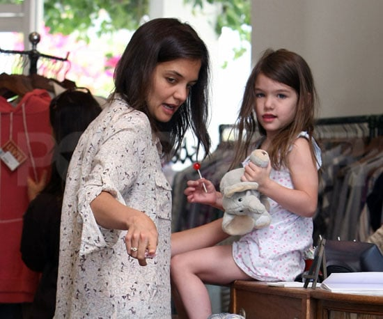 Slide Picture of Katie Holmes and Suri Cruise Shopping
