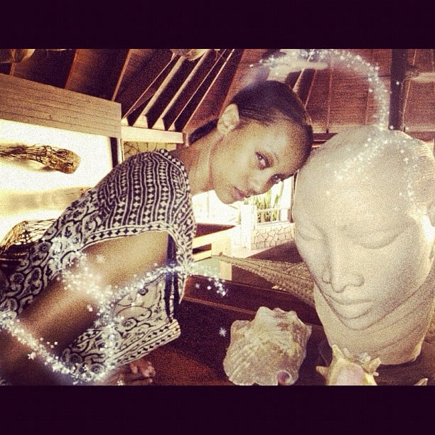 Tyra Banks went head to head with a statue. Source: Instagram user tyrabanks