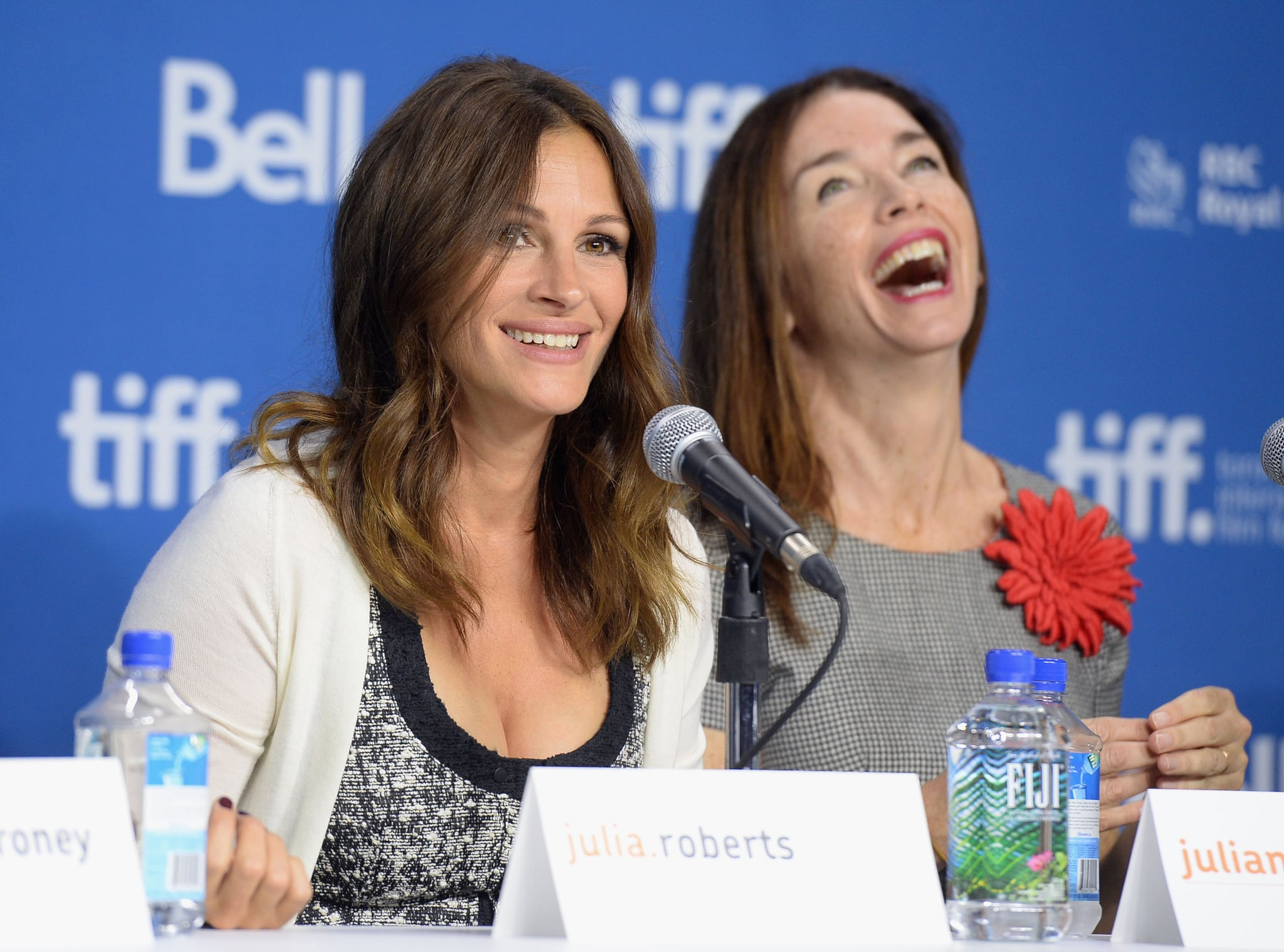 Julia Roberts had Julianne Nicholson cracking up at the August: Osage County press conference.