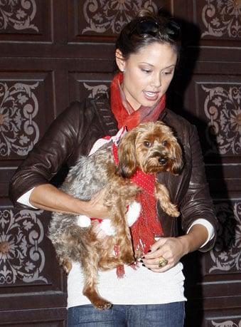 Wookie's No Santa, But Vanessa Carries Her Lil Helper Anyway
