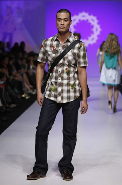 L'Oreal Toronto Fashion Week: Gsus Sindustries Spring 2009