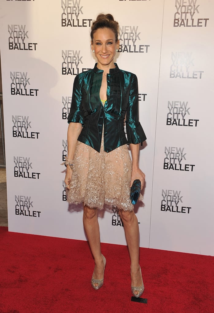 For the 2010 NYC Ballet Spring Gala, the trendsetter styled an embroidered cocktail dress with an emerald-sheen topper and heart-shaped peep-toe pumps.